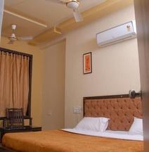 Hotel Ronak Royal