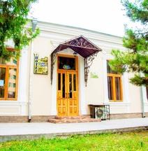 Yangi Sharq Hotel