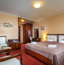 Nelson Hotel