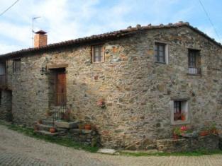 Casa da Bica Bragança Gondesende