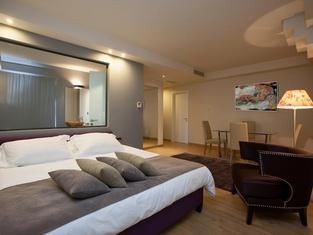 Golden Suites & Spa