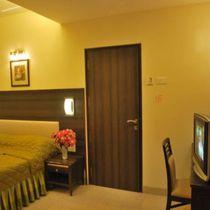 OYO 17332 Hotel Nana's