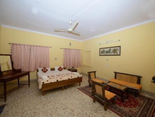 Hotel Bahadur Vilas