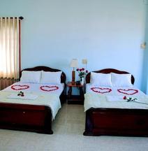 โรงแรมควีน 3 ญา จาง