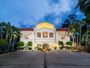 Hotel Pueblo Dorado