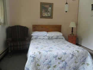 MacIver's Motel & Campground