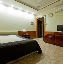 Отель Риал