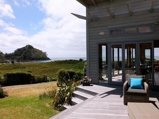 Medlands Beach Lodge