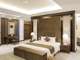 Muong Thanh Luxury Nhat Le Hotel