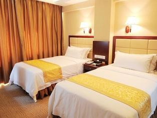 Vienna Hotel (Zhanjiang Haibin Avenue Jinshawan)