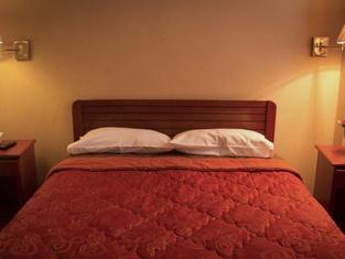 Ebony Hotel