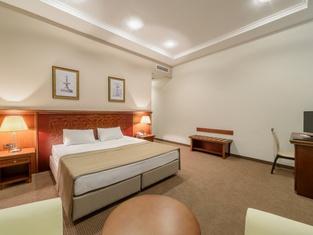 Отель Alarus Luxe Hotel & Restaurant