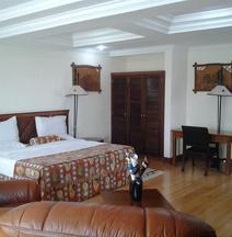 尼果多托山顶旅馆