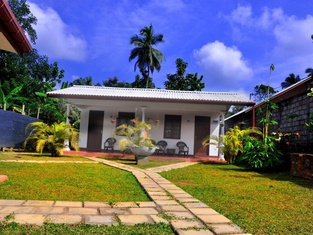 Lal Home Stay