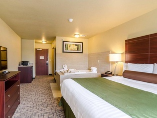 Cobblestone Inn and Suites-Oberlin