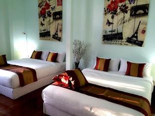 Maliwan Holiday Home