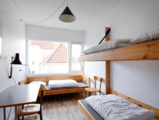 Hostel City Sleep-In