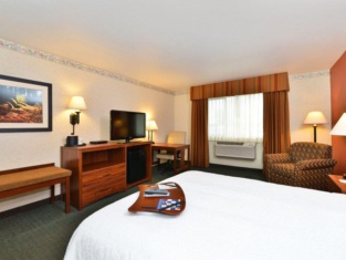 卡利斯比漢普頓酒店