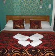 ホテル ラティンスキ モスト