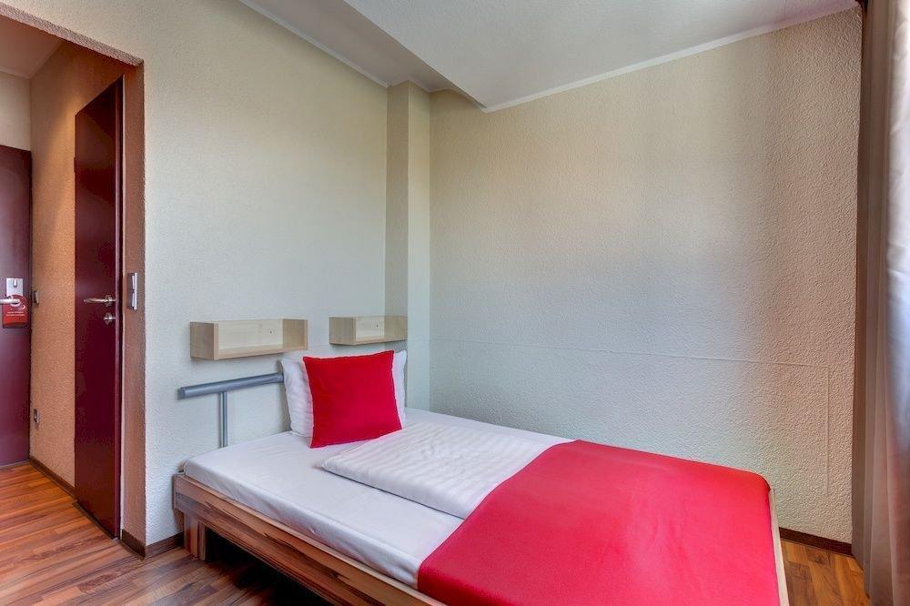 MEININGER Hotel Cologne City Center