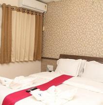 OYO 9501 ホテル シャンティ カマル B N