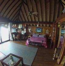 Bora Bora Bungalove
