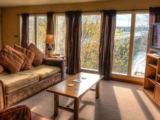 Kenai River Lodge