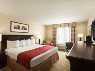 Country Inn & Suites by Radisson, Duluth North, MN