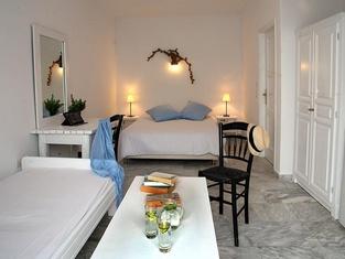 Voula Apartments & Rooms