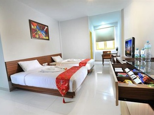 RedDoorz Plus Near Pekanbaru Mall