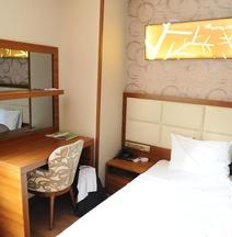 Izmıt Saray Hotel