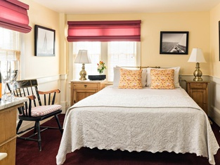 Brass Key Guesthouse Adults Only