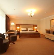 Отель «Надия»