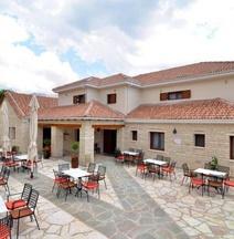 Lakmos Hotel