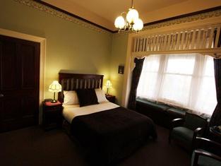 Orana House - Lindisfarne, Hobart
