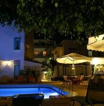 阿尔巴托斯开放式公寓酒店