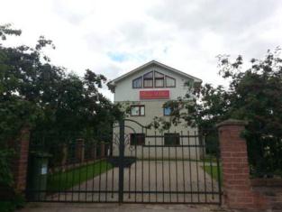 Riia Villa