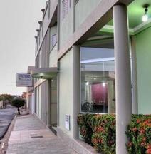 Hotel Carolina 2