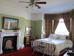 The Roses Heritage Inn