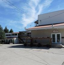 Almo Court Motel