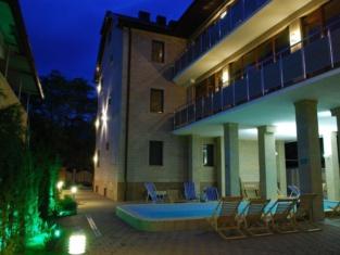 Kiparis Hotel