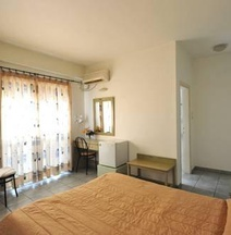 Ξενοδοχείο Αύρα