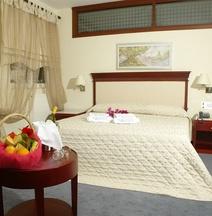 Ξενοδοχείο Κριθώνι Paradise