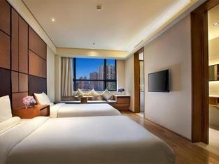 Ji Hotel (Shanghai Xujiahui Zhaojiabang Road)