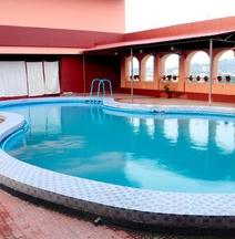 Hotel Raj Mahal (Pure Veg)