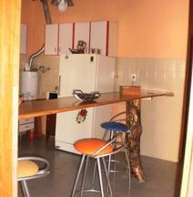 Hostel Rogupani