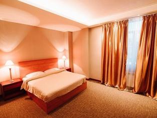 Lenina Hotel