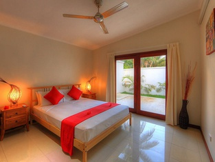 Tropicana Lagoon Apartments