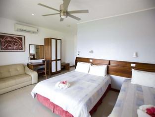 Madang Lodge Hotel