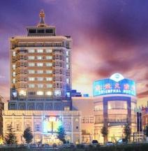 トライアンファル ホテル
